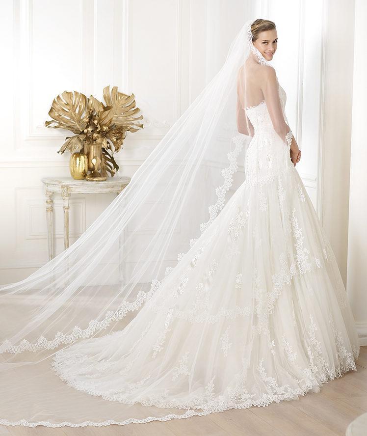 suknia ślubna Pronovias koronkowa