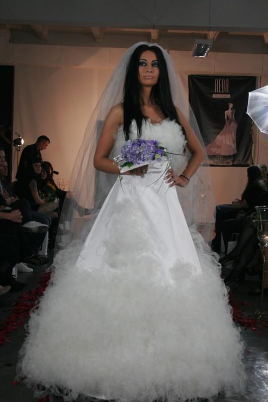 Jolanta Rutowicz w sukni ślubnej projektu Sylwii Redy-Kosiak