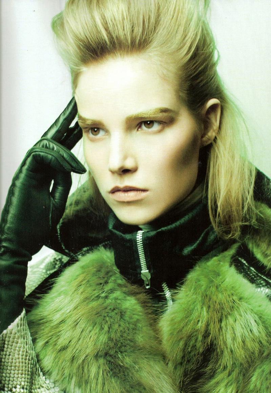 Vogue Espana sierpień 2011 - Suvi Koponen