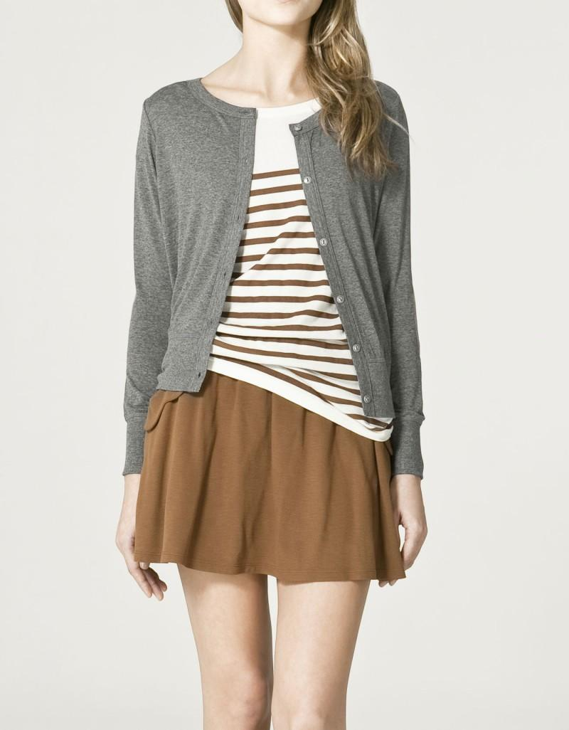 szary sweter ZARA rozpinany - trendy wiosna-lato
