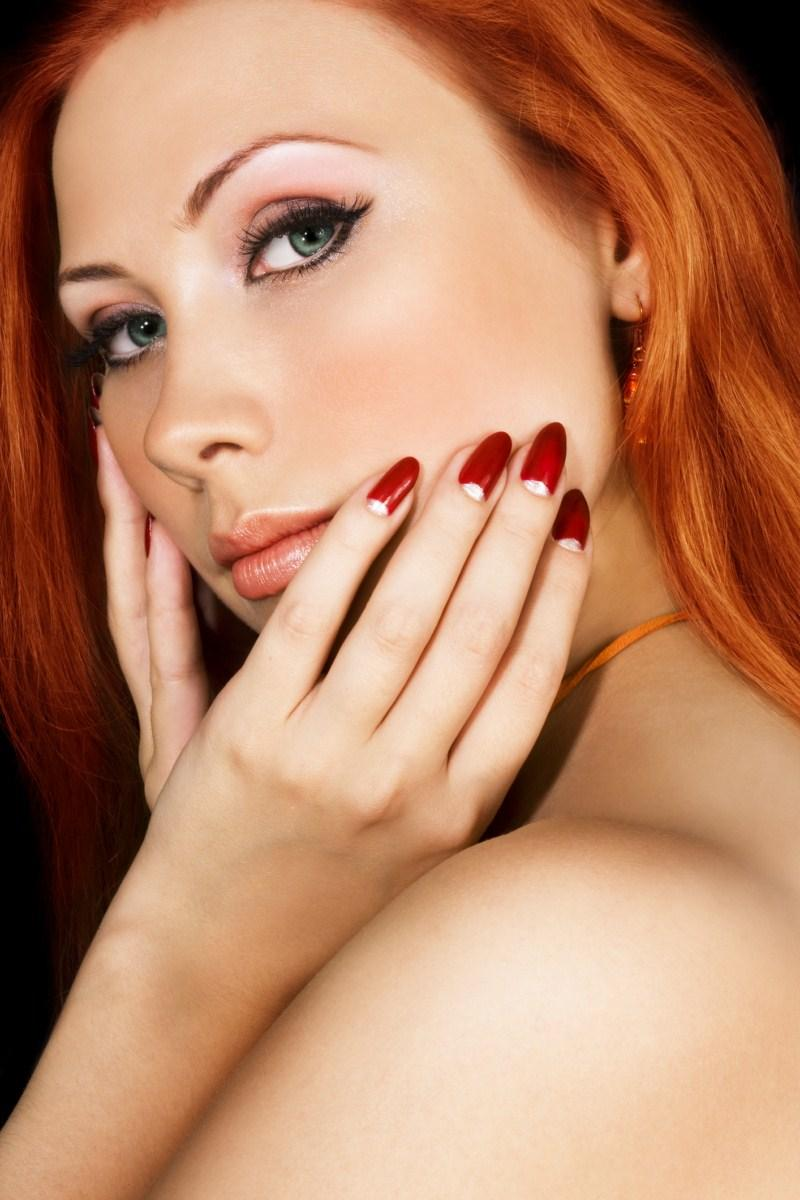 Świąteczny makijaż - Wyglądaj pięknie na Gwiazdkę - zdjęcie