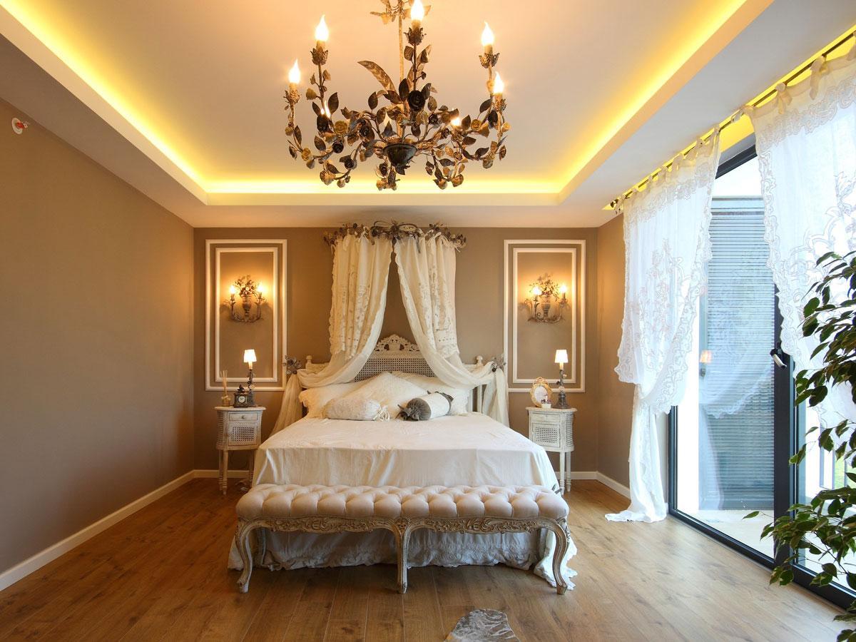 Sypialnia - styl pałacowy