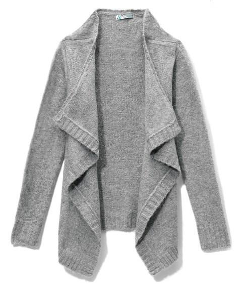 Szare swetry - nudna klasyka?