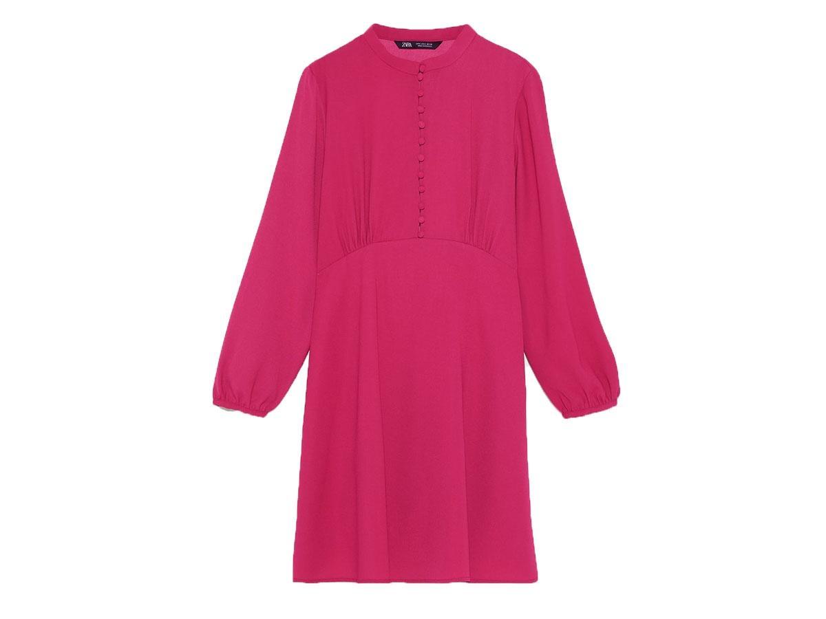 Różowa sukienka z guzikami, Zara, cena ok. 139,00 zł