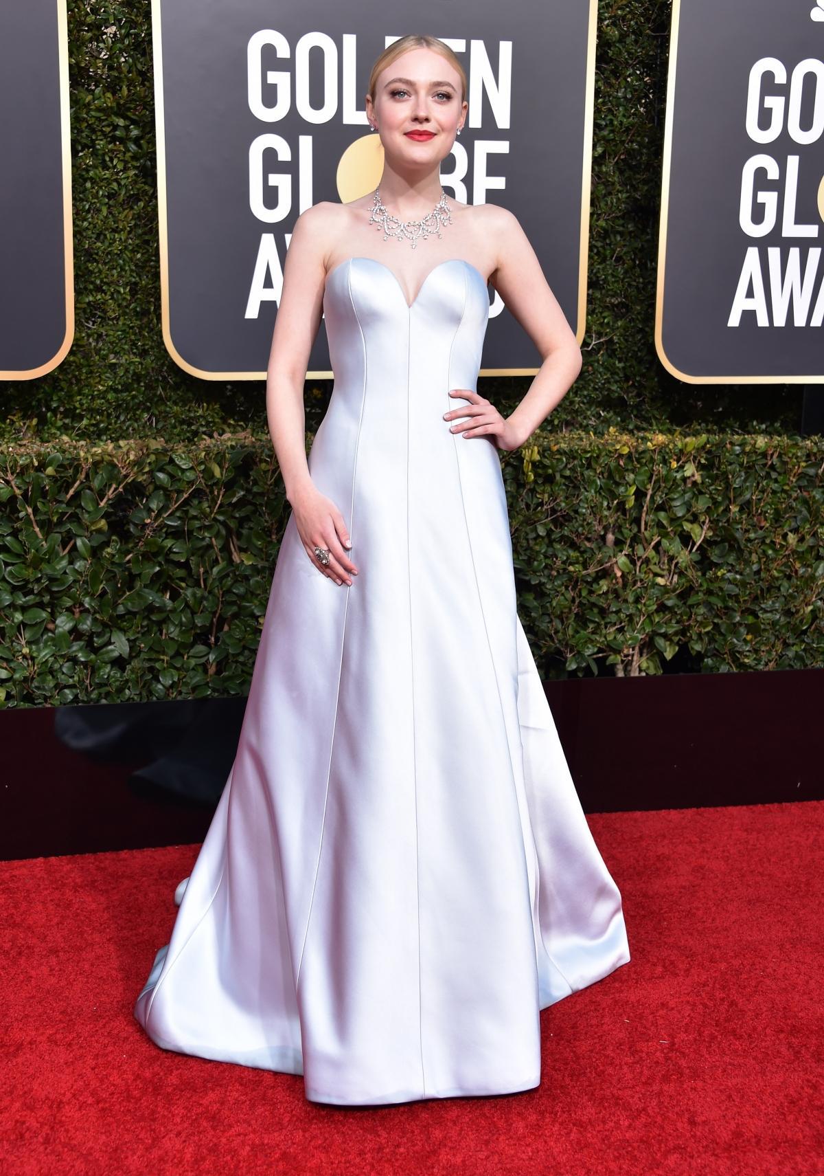 Dakota Fanning na rozdaniu Złotych Globów 2019