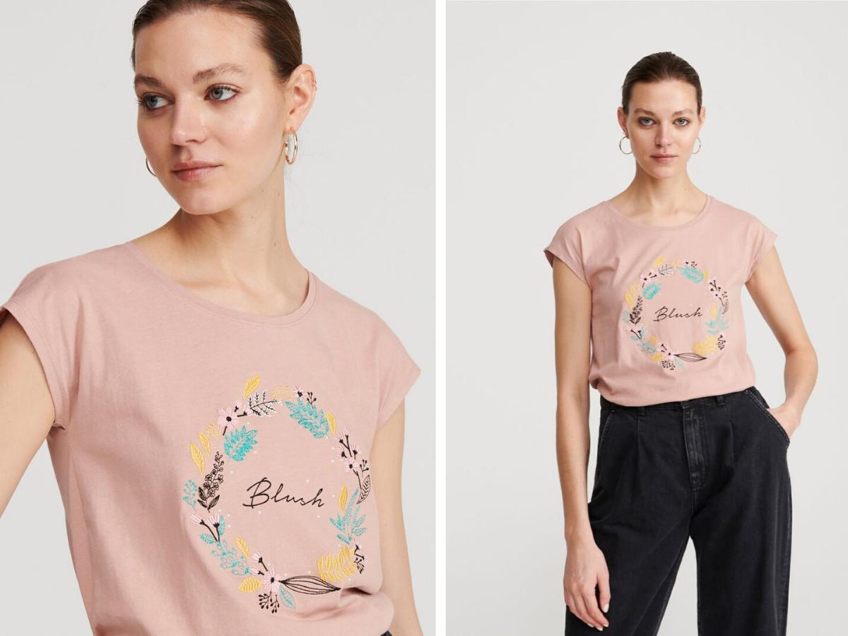 T-shirt bawełniany Reserved kwiaty 29,99 zł