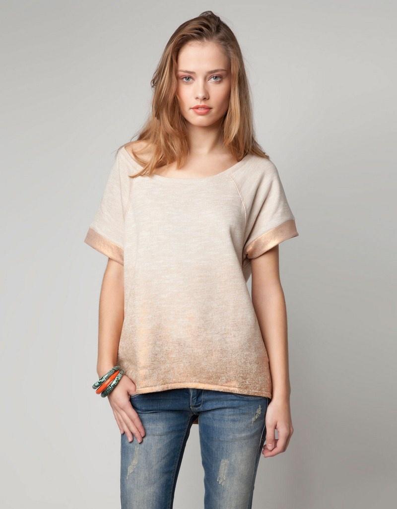 złoty t-shirt Bershka z dekoltem w łódkę - wiosna/lato 2012
