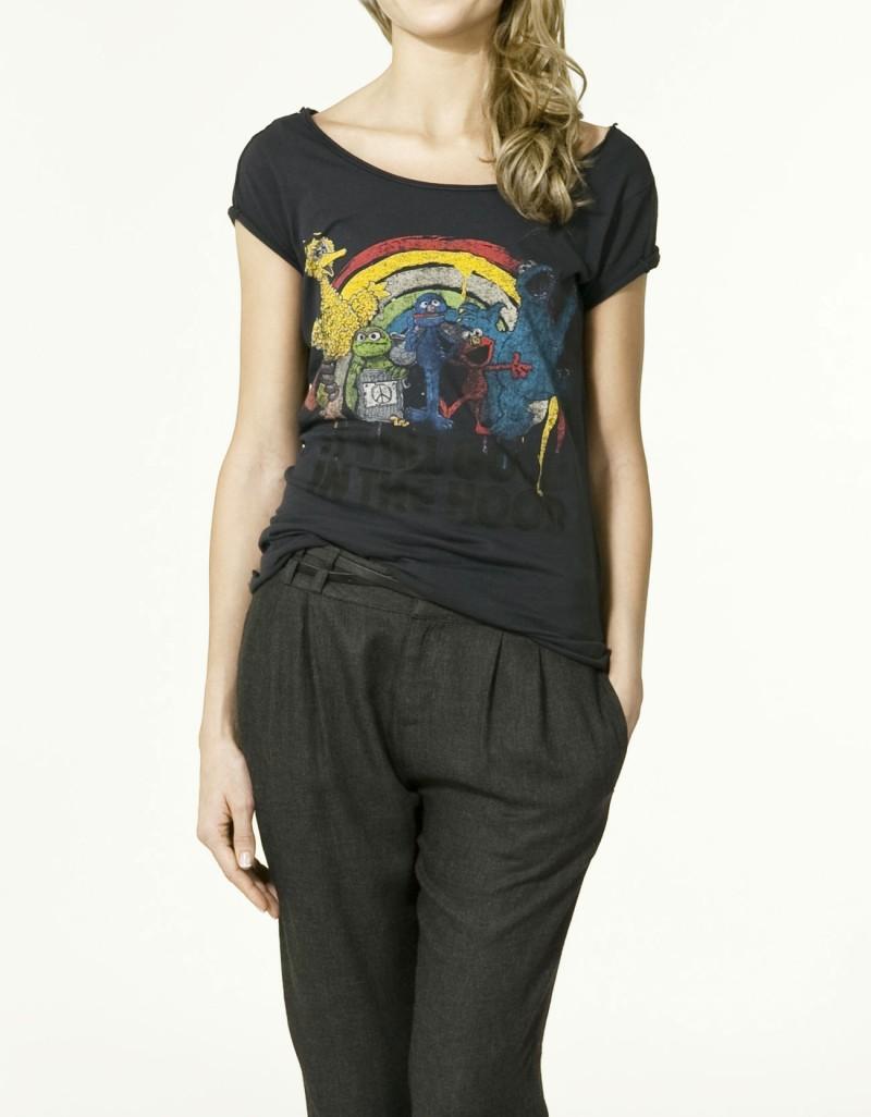 czarny t-shirt ZARA z aplikacją - z kolekcji wiosna-lato 2011