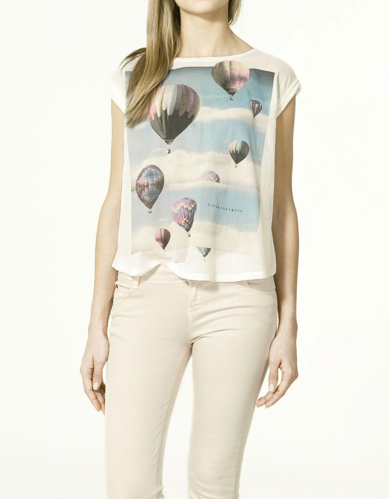 t-shirt ZARA z nadrukiem - moda 2011