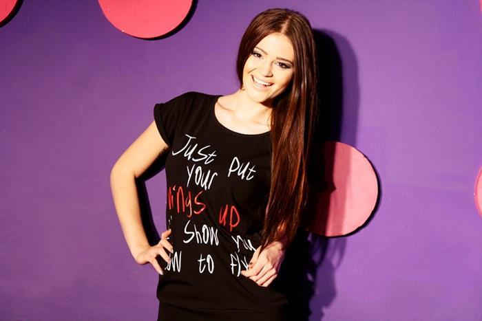 czarny t-shirt Moodo z napisami - wiosna/lato 2012
