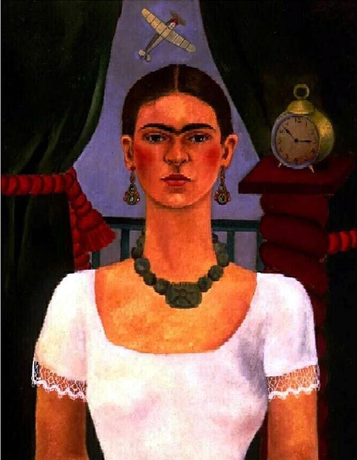 Ta modelka ma tak ciemne i krzaczaste brwi, że porównuje się ją do Fridy Kahlo!