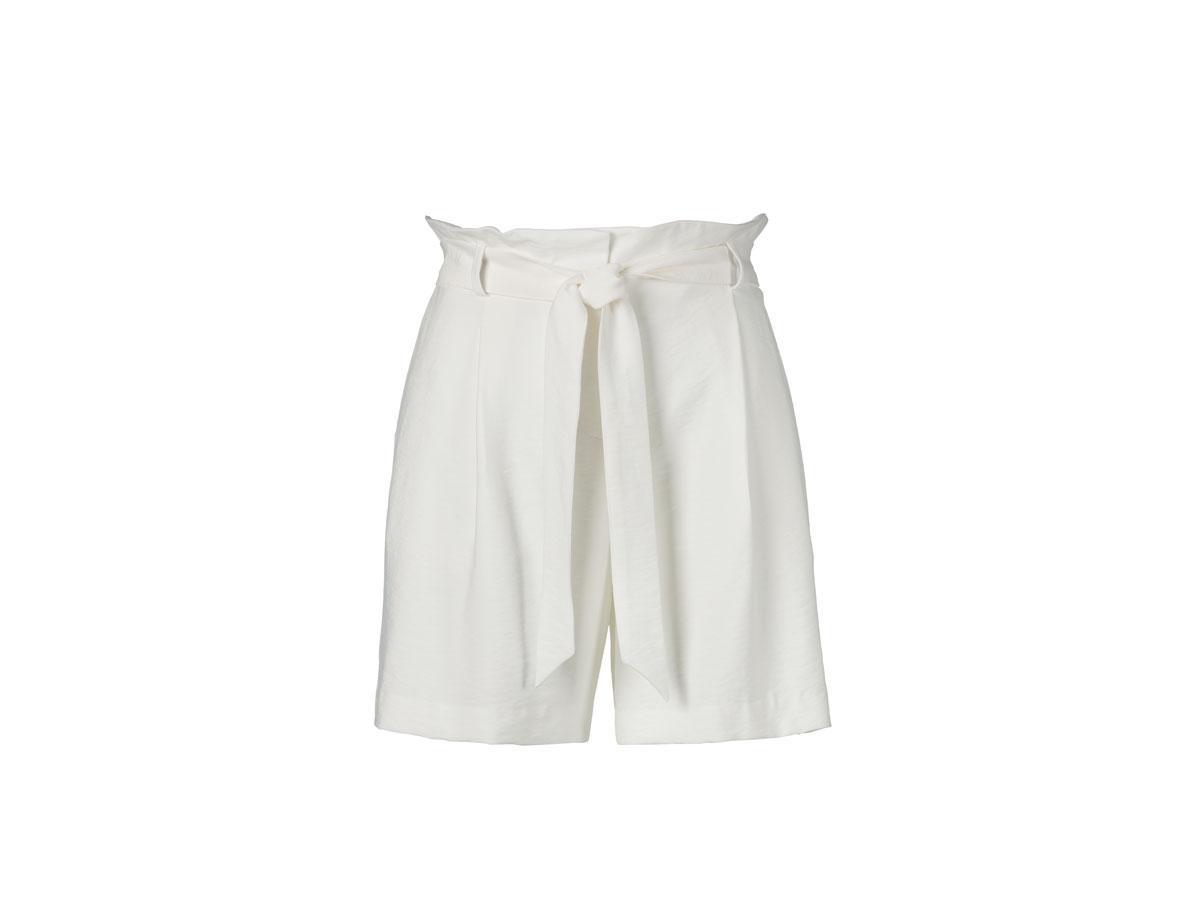 Białe szorty z wysokim stanem, C&A, cena ok. 99,90 zł