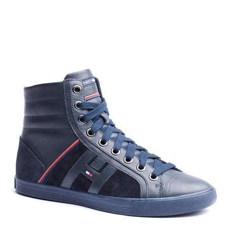 1a7f7bbb06a45 Tommy Hilfiger - buty dla mężczyzn na jesień i zimę 2012  2013. Buty  sportowe Tommy Hilfiger granatowe wiązane za kostkę ...