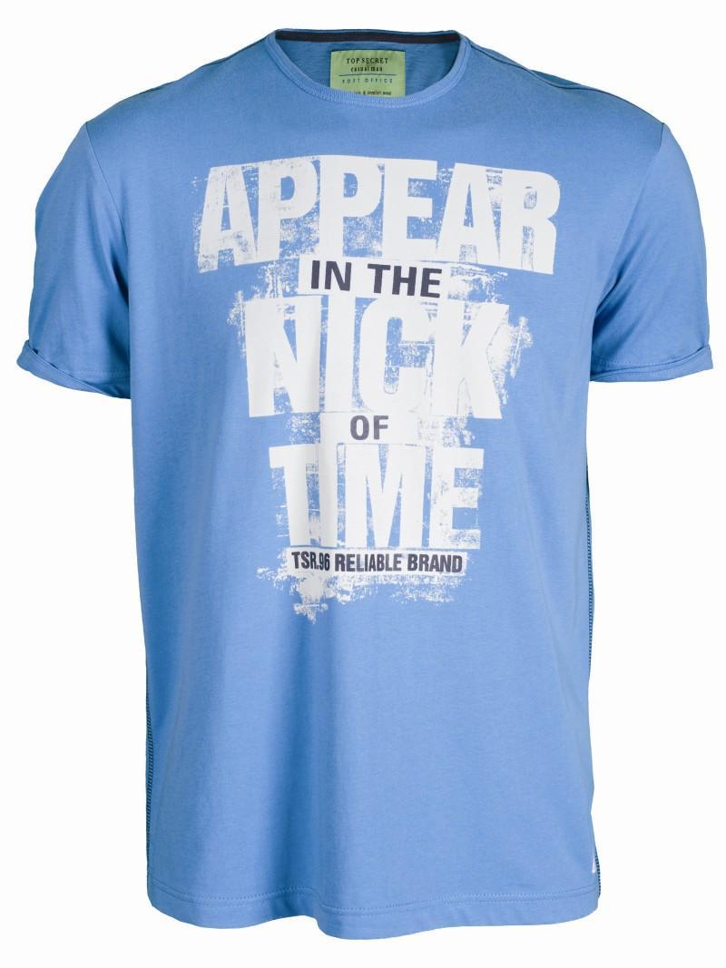 niebieski t-shirt Top Secret z nadrukiem - moda wiosna/lato