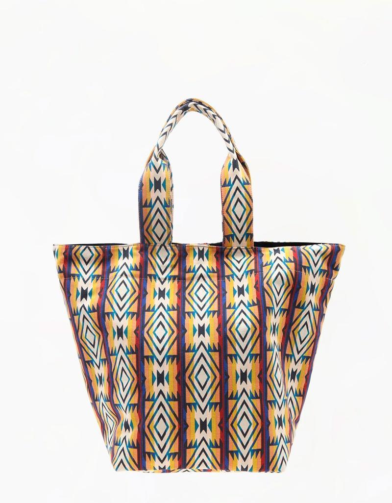 duża torebka Bershka we wzorki - torebki 2013