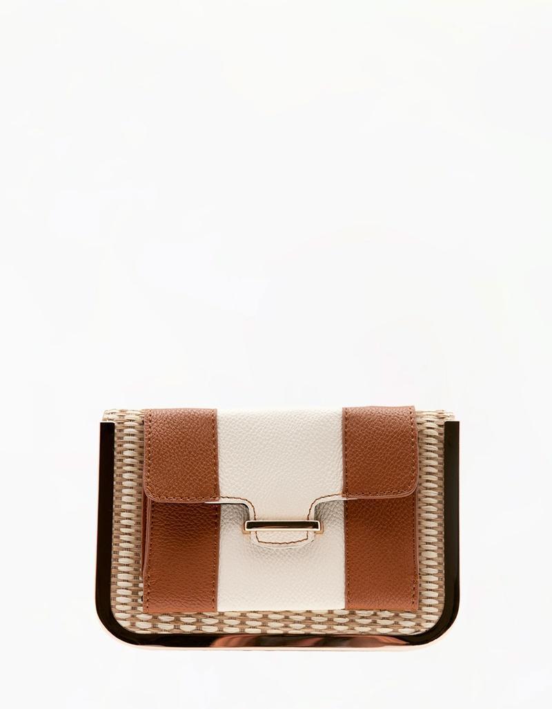 elegancka kopertówka Bershka - torebki na wiosnę