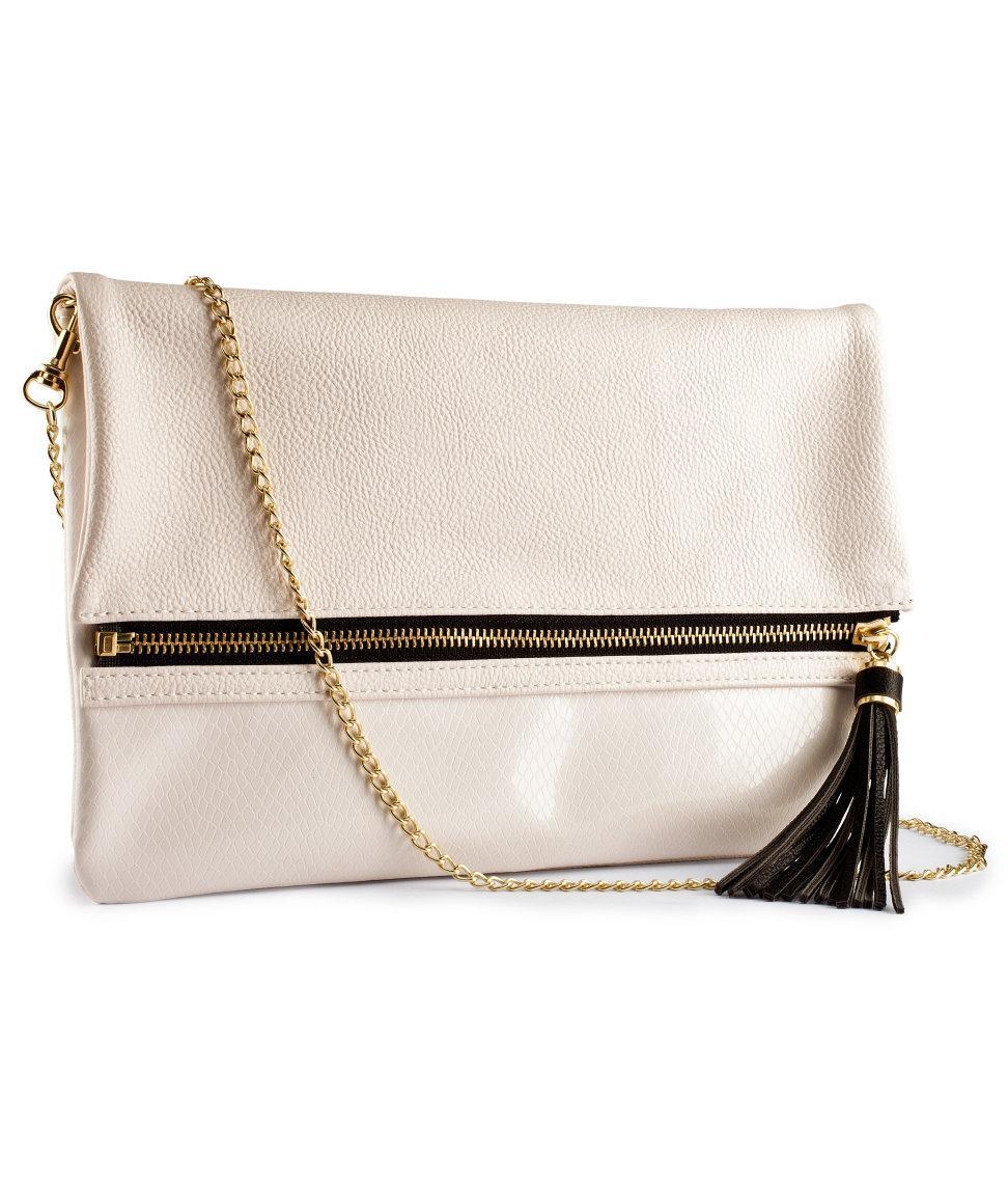 elegancka kopertówka H&M w kolorze ecru - modne torebki