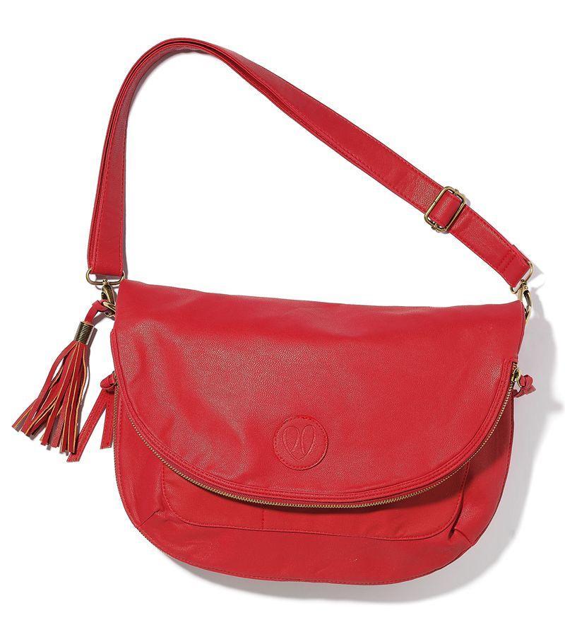 czerwona torebka Cropp z frędzlami z bufkami - wiosna-lato 2012