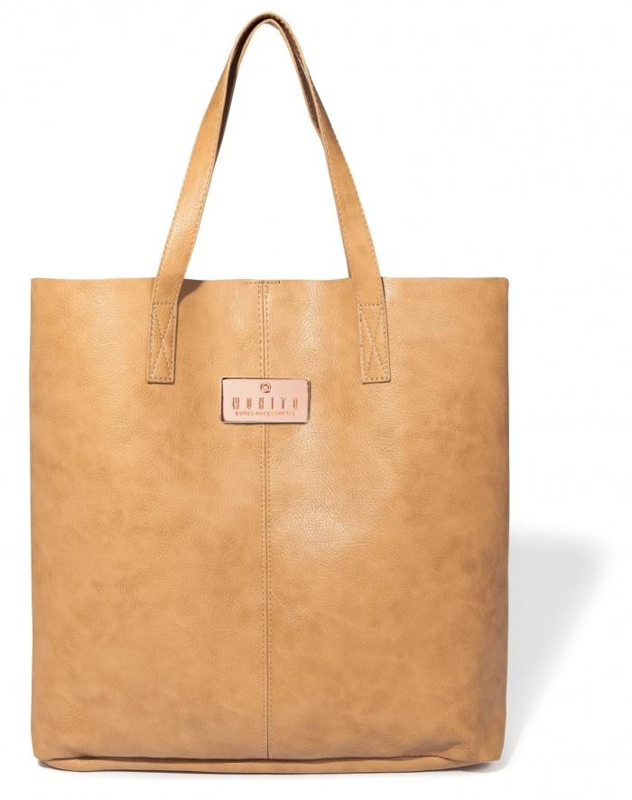 skórzana torebka Mohito w kolorze brązowym - torebki na wiosnę