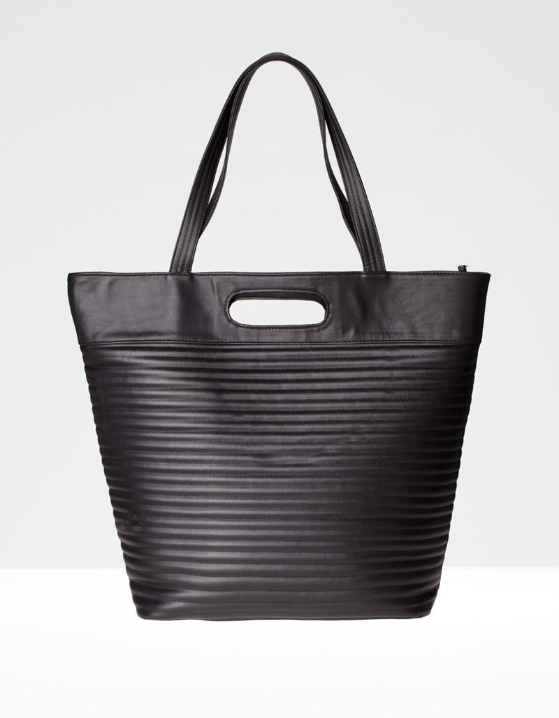 torebka Stradivarius w kolorze czarnym - torebki na lato 2013