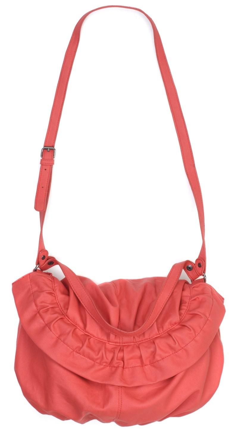 czerwona torebka Carry - z kolekcji wiosna-lato 2011