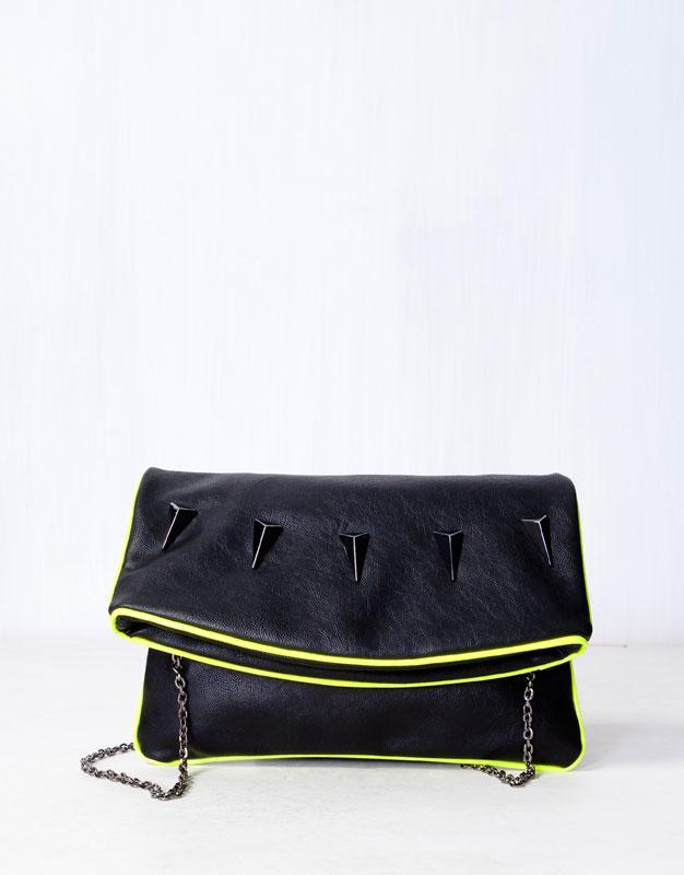torebka Pull and Bear w kolorze czarnym - modne torebki
