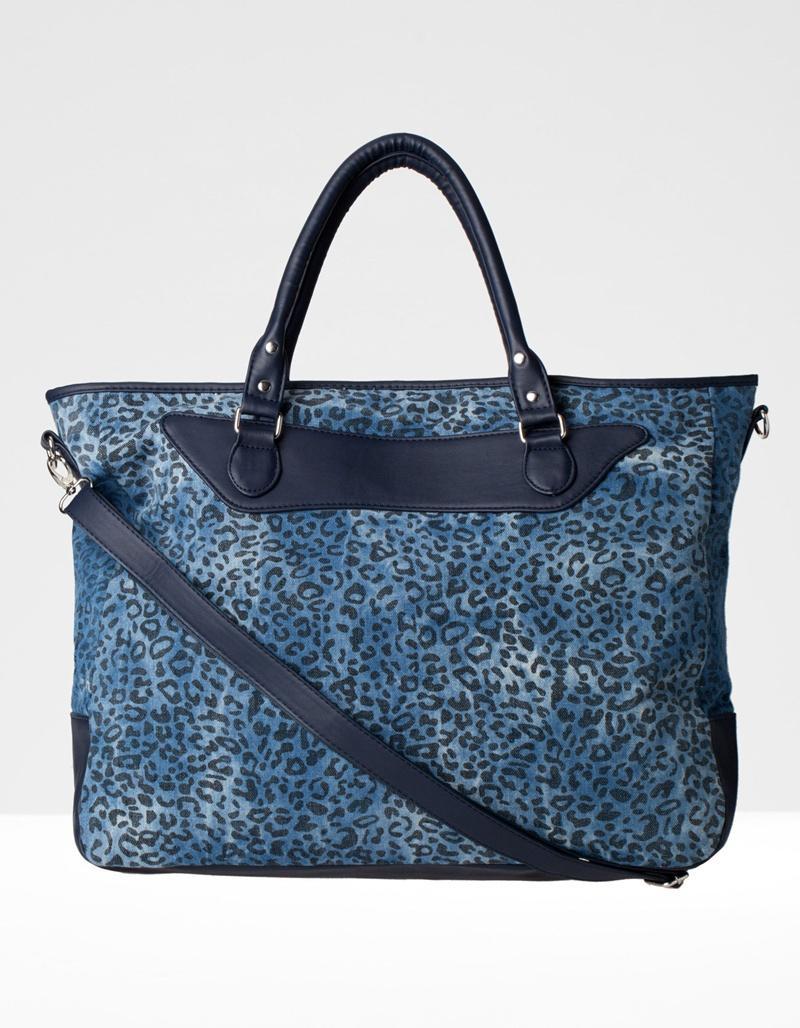 duża torebka Stradivarius w panterkę w kolorze niebieskim - torebki na wiosnę i lato