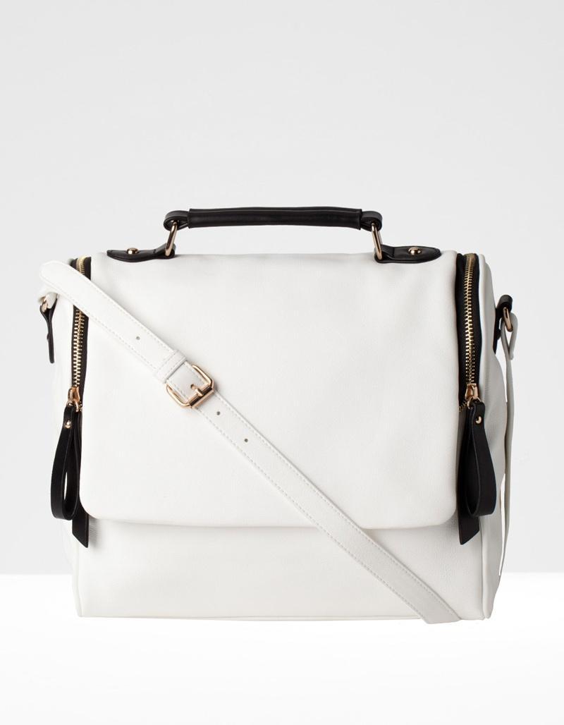 modna listonoszka Stradivarius w kolorze białym - modne torebki