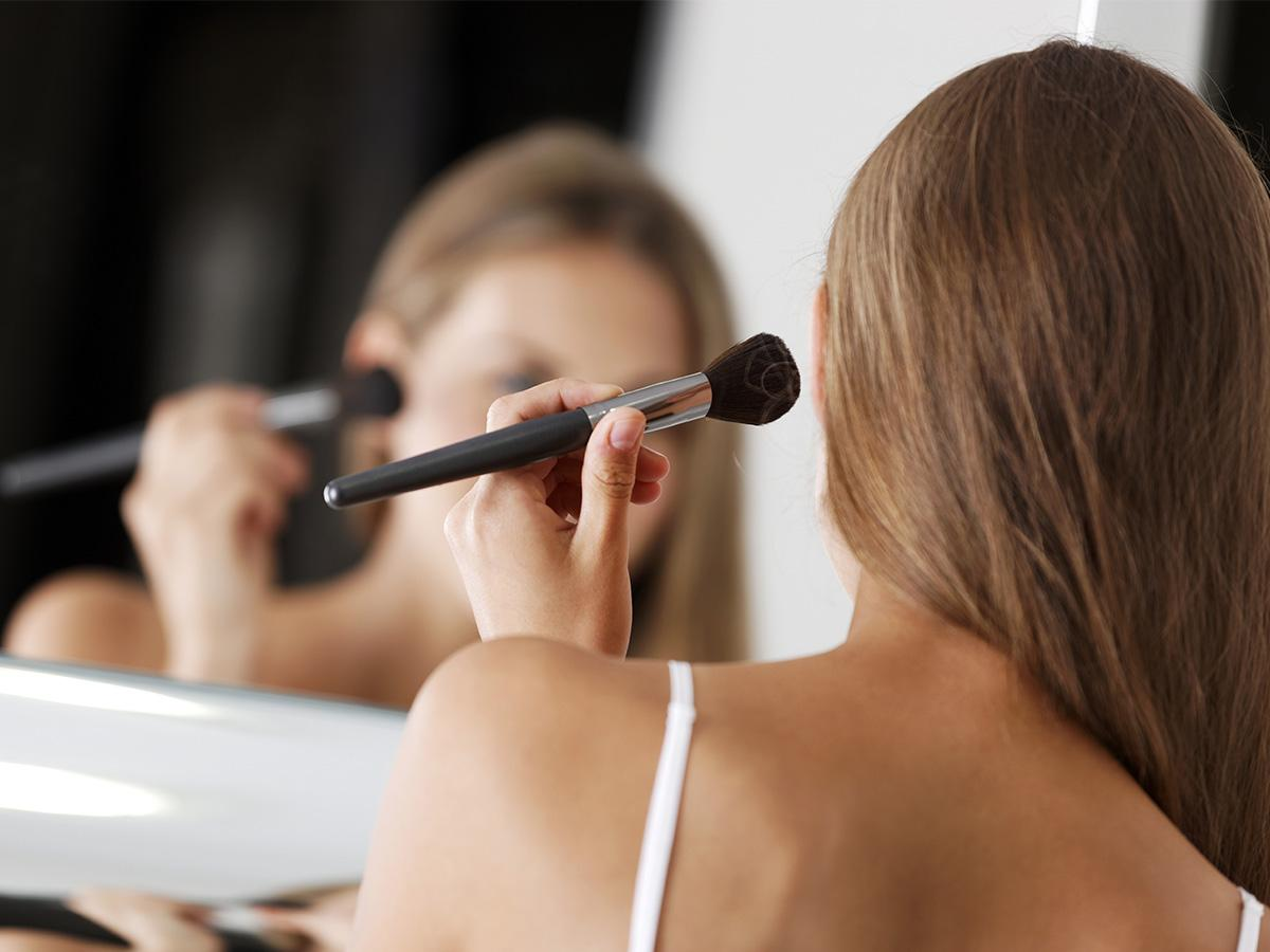triki makijażowe które poprawiają wygląd