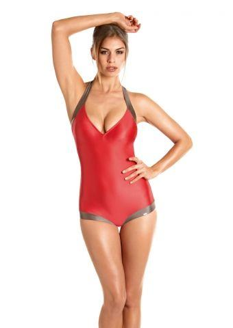 czerwony strój kąpielowy Triumph jednoczęściowy - trendy na lato