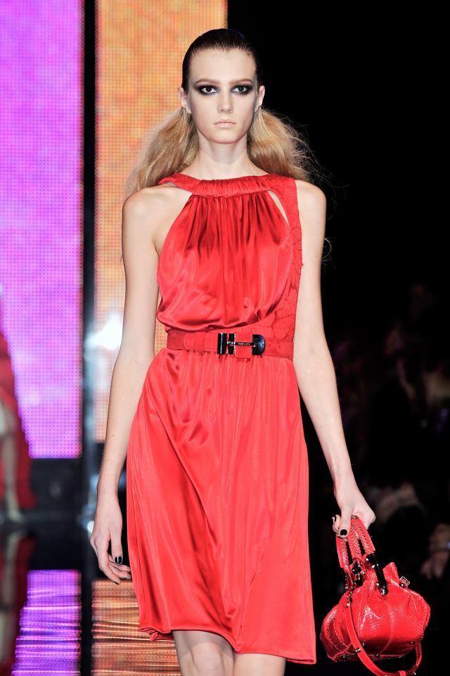 Versace, kolekcje wiosna-lato 2010