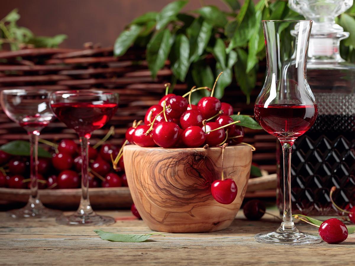 wino z wiśni jak zrobić