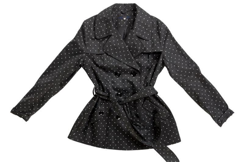 czarny płaszczyk Mohito w groszki - kolekcja wiosenno/letnia