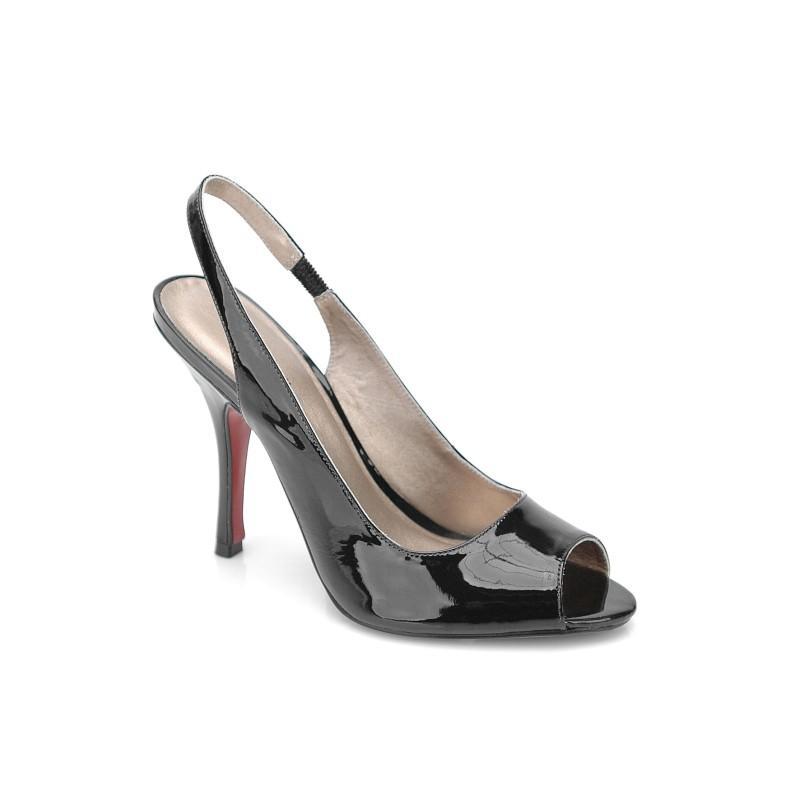 czarne sandały Kazar lakierowane - wiosna-lato 2011