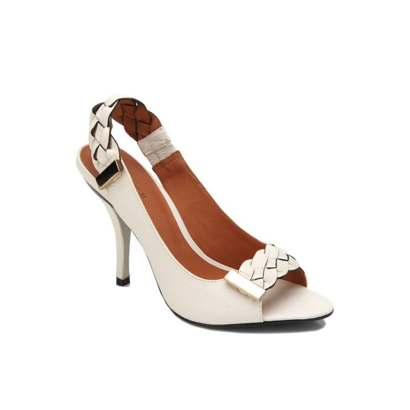 białe sandały Kazar - moda 2011