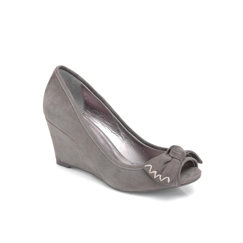 Wiosenno-letnia kolekcja obuwia Kazar dla niej