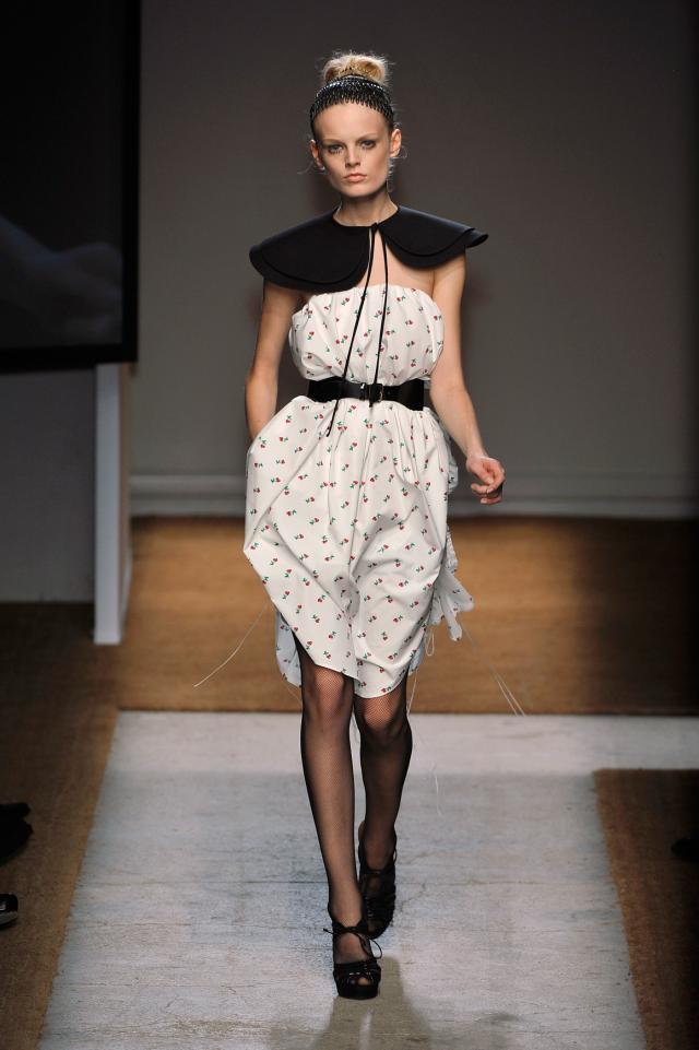 kolekcje wiosna-lato 2010, Yves Saint Lauren