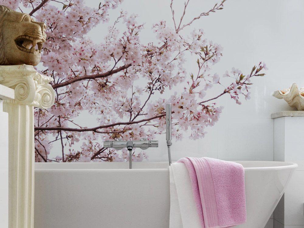 Łazienka z tapetą - pomysł na aranżację