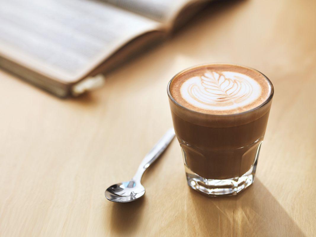 jak stworzyć wzorki na kawie, jak zrobić wzorek na kawie, jak zrobić wzorek na latte, latte art