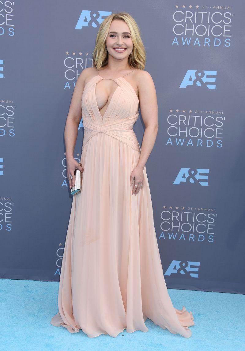 Critics Choice Awards: Hayden Panettiere380-2016_Critics_Choice_Awards.jpg
