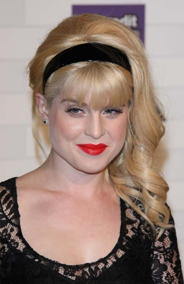 Kelly Osbourne, styl gwiazd, fryzura