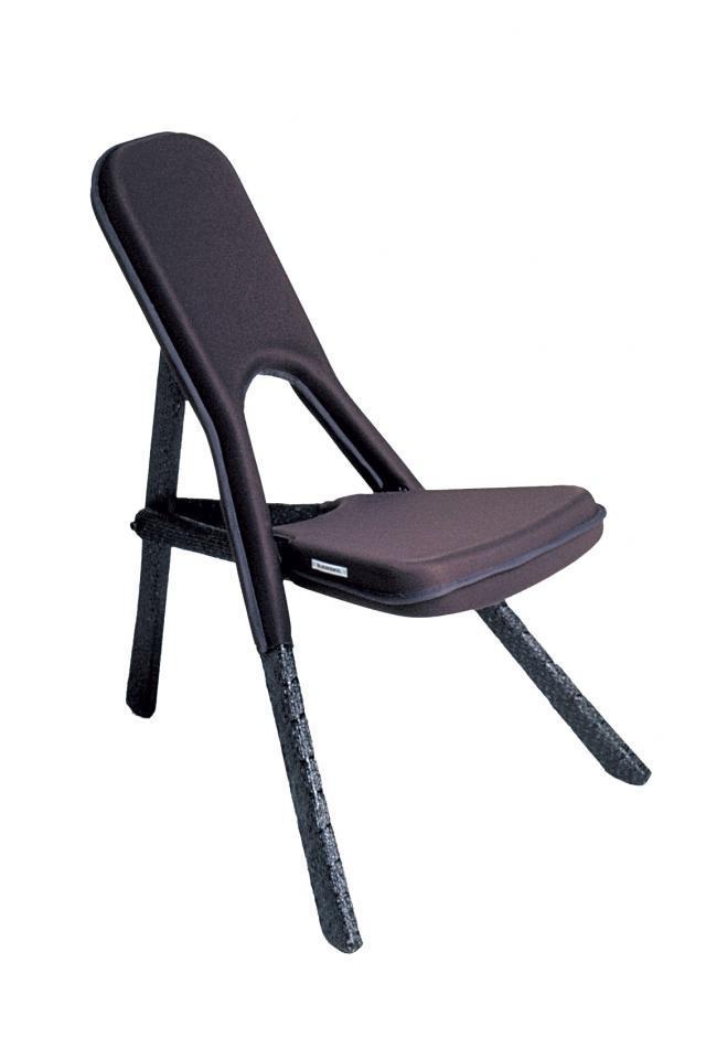 """Królowie designu - Hella Jongerius: Krzesło """"Kasese Sheep Chair"""" (1999), zaprojektowane dla włoskiej firmy Cappellini teraz produkowane przez JongeriusLab"""
