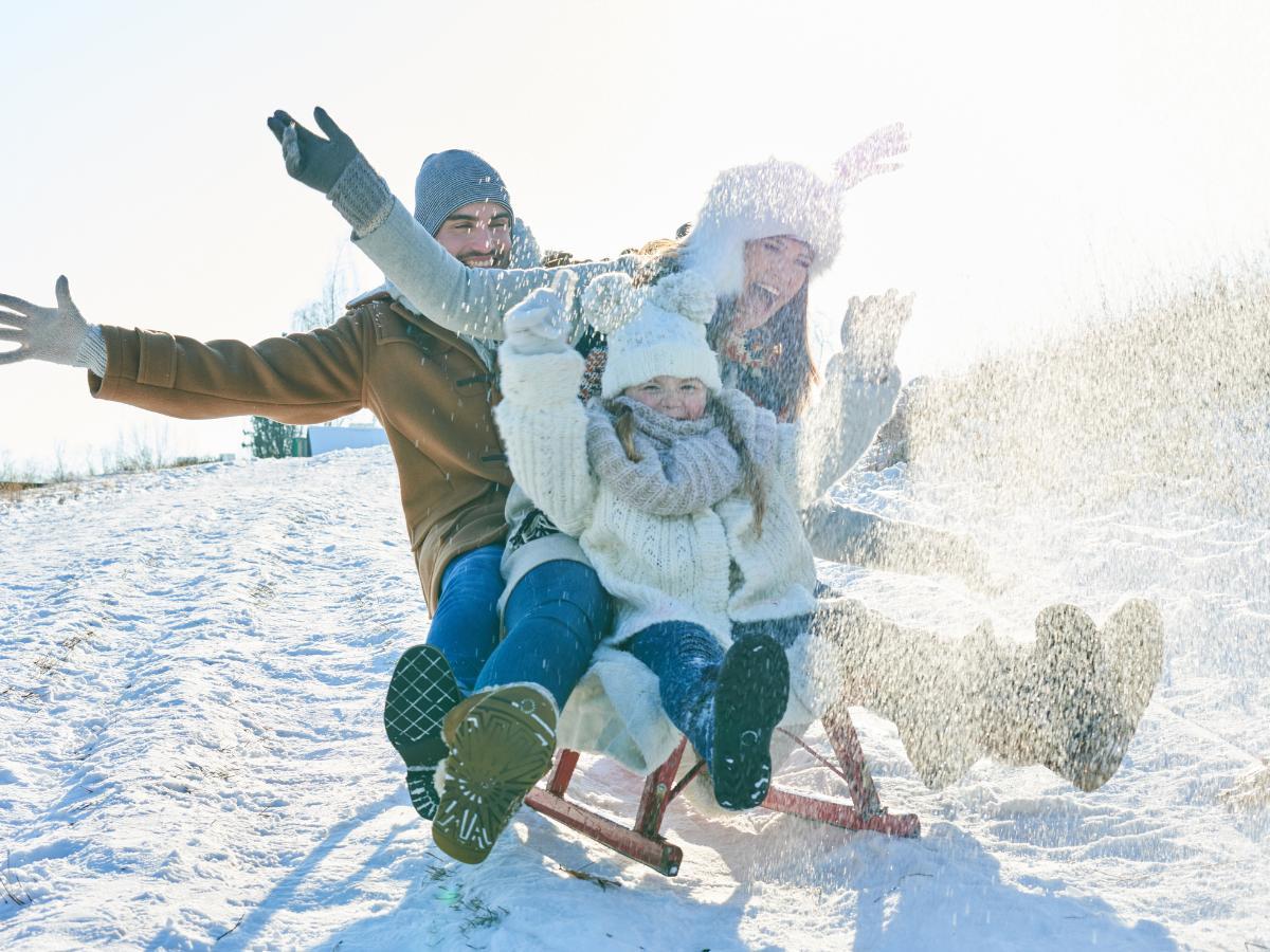 Zabawy zimą na śniegu