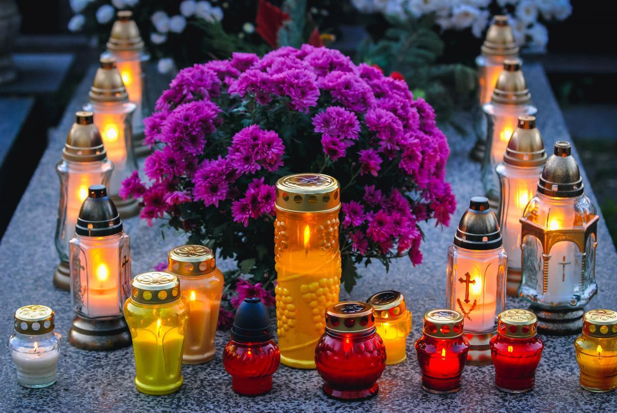 Wszystkich świętych - nawiedzanie cmentarzy