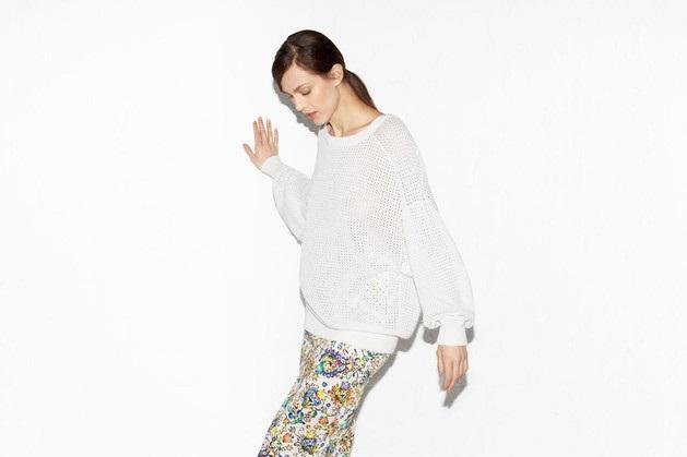 biały sweter ZARA - wiosenne stylizacje
