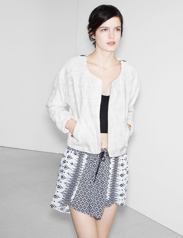 biała kurteczka Zara TRF - wiosenny lookbook
