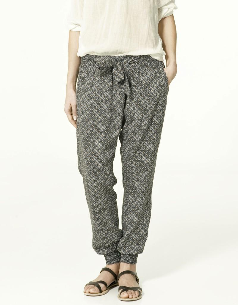 Zara TRF - spodnie i szorty na wiosnę i lato 2011