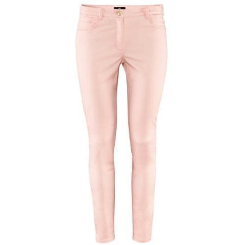 Spodnie w kolorze pudrowego różu H&M, ok. 79zł