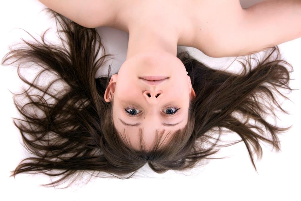 Ziołowe płukanki na włosy przetłuszczające się