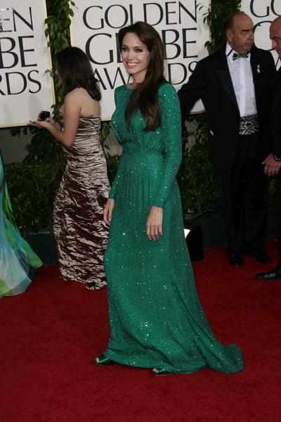 Angelina Jolie - Złote Globy 2011